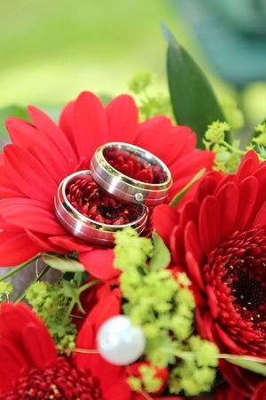 wedding ring 736896 640